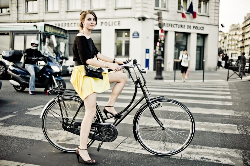 tour de france girl bicycle paris HR